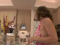 Mom Seduce Not Her Daughter 24
