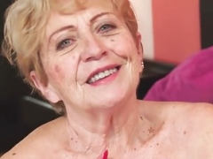 Curvy granny screwed after rubbing her tits
