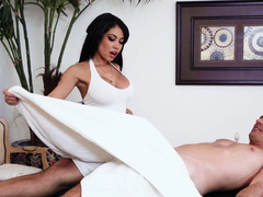 Unexpected sex instead of usual massage by hot to trot lady
