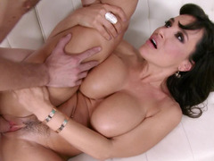 Lisa Ann laid by a massive cock from a skinny guy