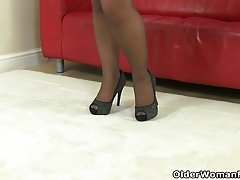 British milf Francesca loves the feel of nylon on her clit