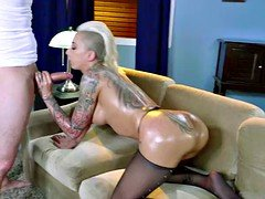 Sexy hot slut Bella Bellz with tattoos prefers brutal buttfucked
