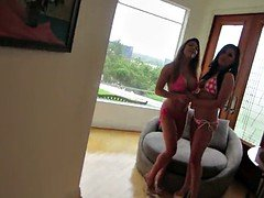 Behind the scenes with London Keyes and Mia Lelani