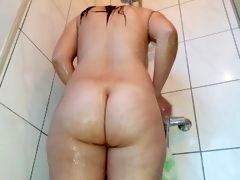 Big Ass Girl Taking A Shower !!!