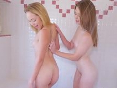 Natural blowjobs Fun Sized compeers Take A HOT