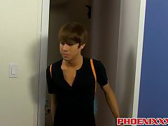 Attractive twink Kyler Moss takes it doggy and missionary