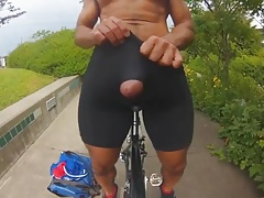 Big dick cums a big load outside in the rain