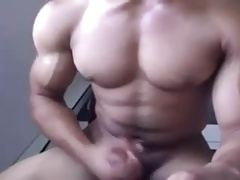 Perfect body on cam
