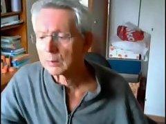 Elderly stud getting dirty on cam