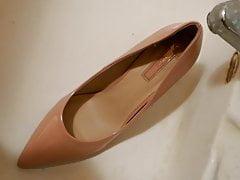 Piss in pink stiletto high heel