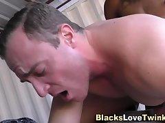 Dude sucks black dick