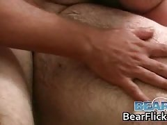 Begging for the gay bear jizz in his mouth