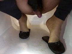 Cd piss on flat leather slipper & nylon feet black toe nails
