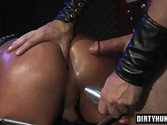 Muscle wolf oral sex and cumshot