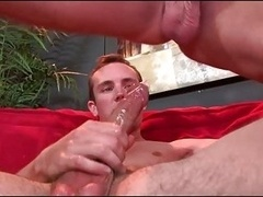 Str8 guy kisses bodybuilder gets fucked