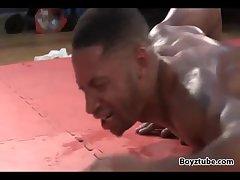 Ebony fight lite and dark dude