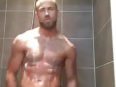 Wer moechte da nicht mit duschen?