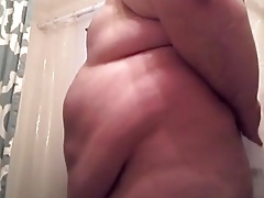 Big Chub Showering