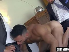 Muscle gays threesome with cumshot