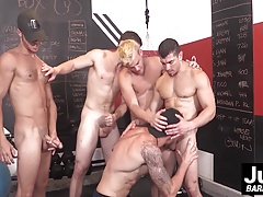Shawn Reeve gets railed hard in this muscle hunks gangbang