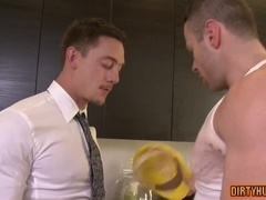Muscle gay flip flop with creampie