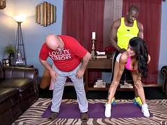 Wife Fucks Her Big Dick Black Trainer