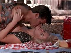 Anna Nicole Smith - Sex Scene(HUGE Tits)