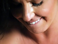 Queening les stepmom gets pussylicked closeup