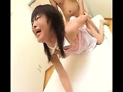 Alluring Japanese girl with a heavenly ass cums hard on a t
