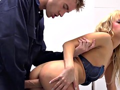 Beautiful babe squirting when assfucked
