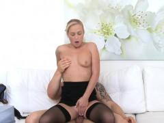FemaleAgent Bodybuilder fucks sexy blonde