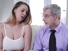 Tir de sperme, Seins naturels, Actrice du porno, Adolescente