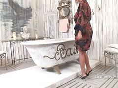 Jasmine Black Fucked In The Bath
