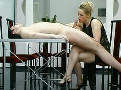 Femme dominatrice, Strapon