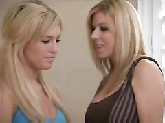 Super-Sexy young gal seduced by mature girl/girl