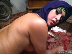 Arabian beauty gets her juicy cunt drilled for cash