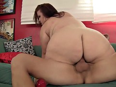 Heavyweight MILF Pleases a Dick with Her Fleshy Twat