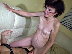 Mamie, Lesbienne, Masturbation, Mature, Jouets