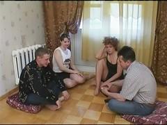 Russian Strip Poker-swinger Coup