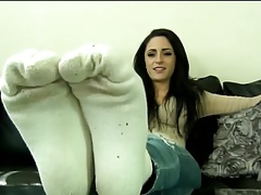 BARE FOOT & Cleo showing soles