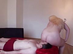 Pussy-on-face Sur Le Cote