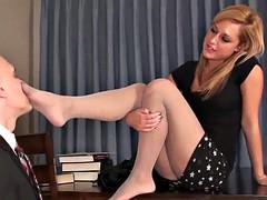 Dominante vrouw, Voeten fetish, Lerarin