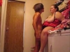Wife get quickie on top of washing machine and additionally have splendid orgasm
