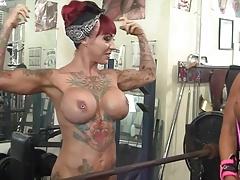 Hembra, Músculo