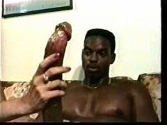 Negro, Enorme