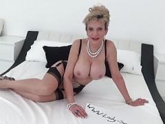 Soccer mom Woman Sonia fucks gym partner male orgasm tits