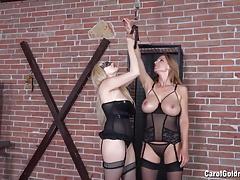 Angel Wicky punishes Carol Goldnerova