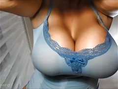 Milf shaking her huge tits on cam
