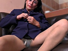 My favorite videos of Latina milfs relaxing