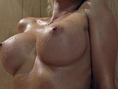 Nana, Beauté, Hard, Lesbienne, Sauna, Jouets
